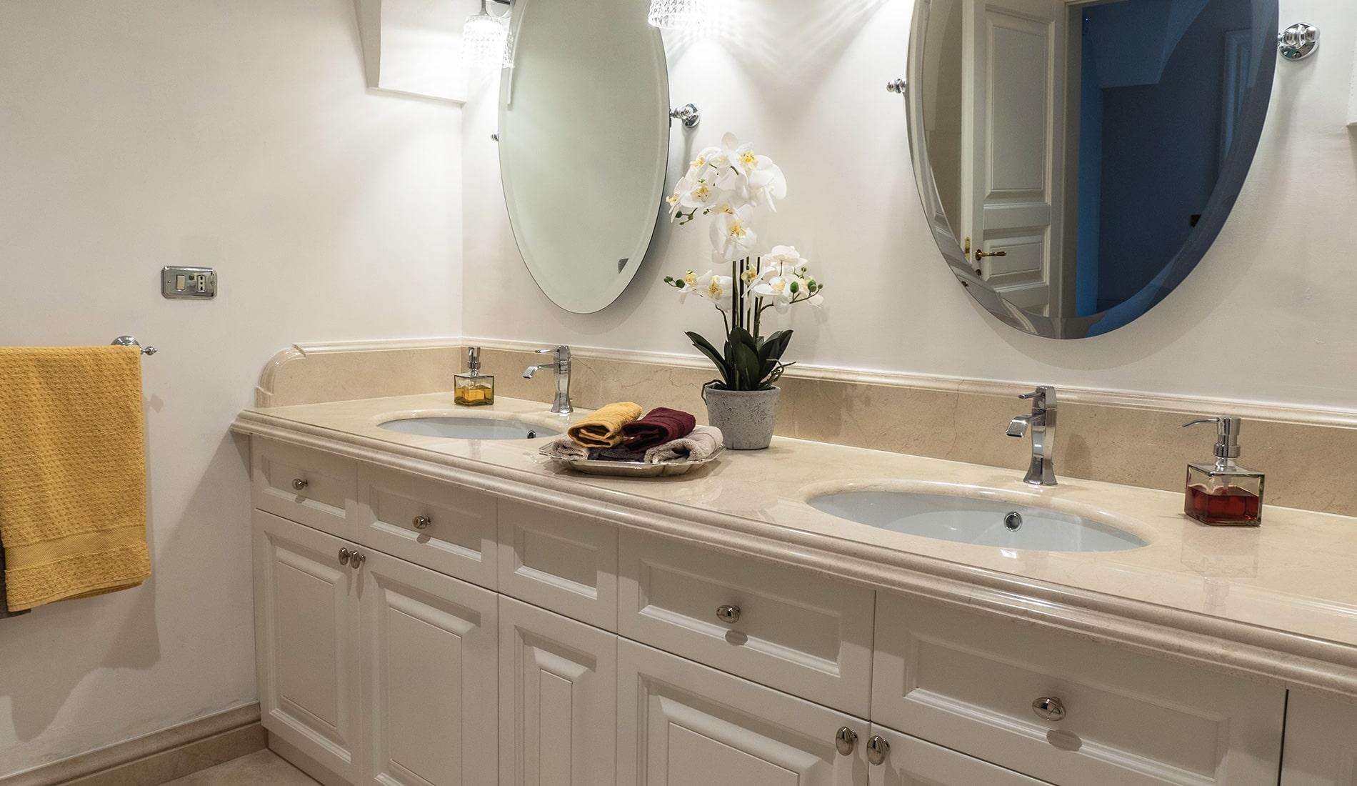 marmi-strada-bagni-in-marmo-naturale-lavelli-vasche-docce-rivestimenti-13