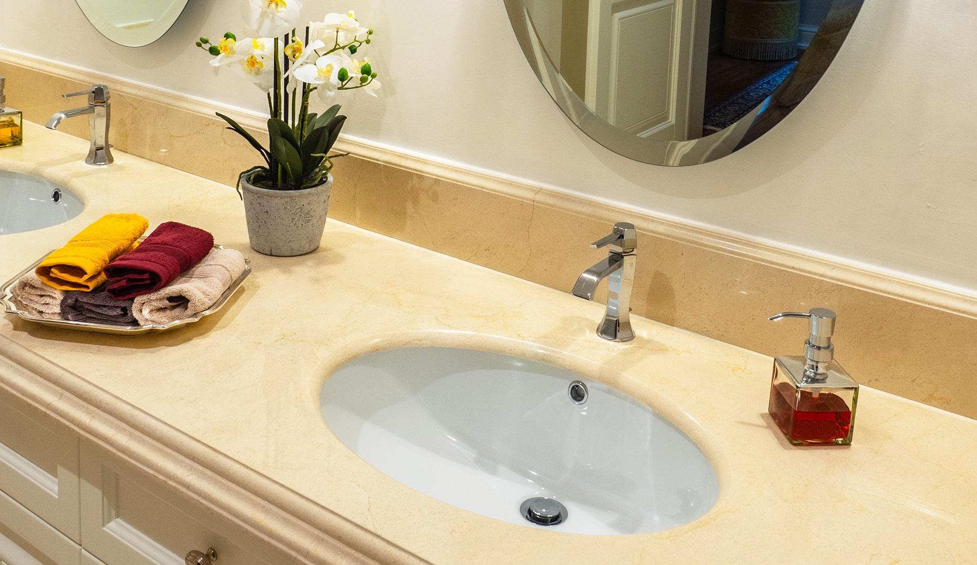 marmi-strada-bagni-in-marmo-naturale-lavelli-vasche-docce-rivestimenti-9